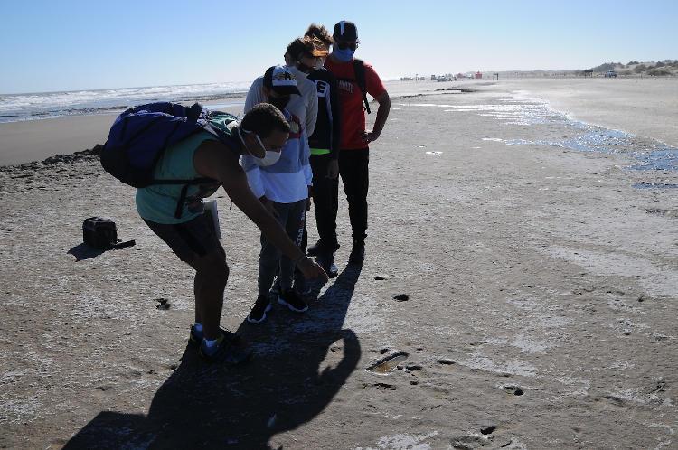 Visitas guiadas a las huellas humanas Reserva Natural Monte Hermoso Pehuen Co