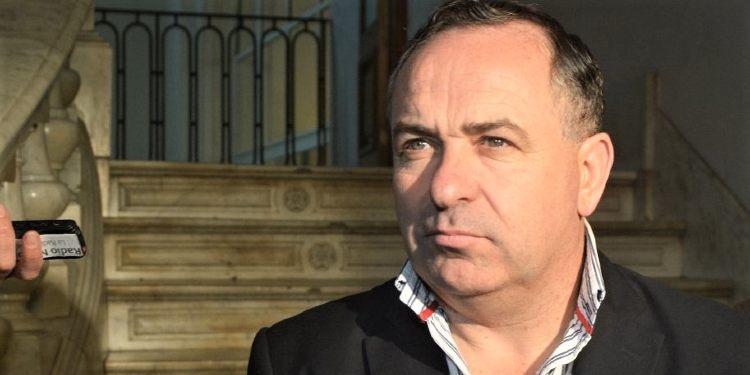 """Valerio sobre el peligro de derrumbe en una obra: """"estoy escuchado a muchos expertos en balcones"""""""