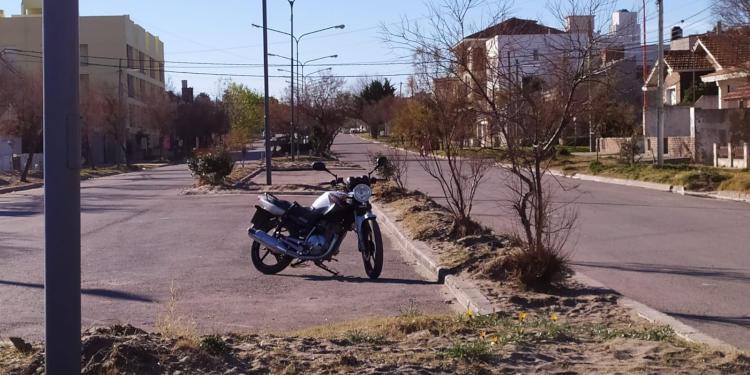Transito de motos altas velocidades en Monte Hermoso